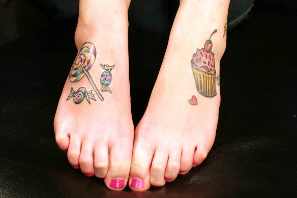 feet tatts