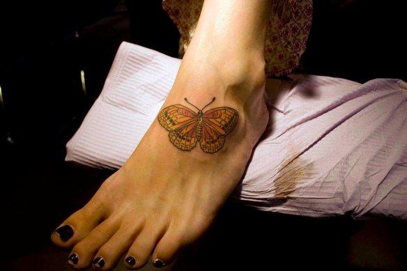 foot butterfly2